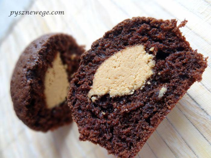 Muffinki z orzechową niespodzianką,