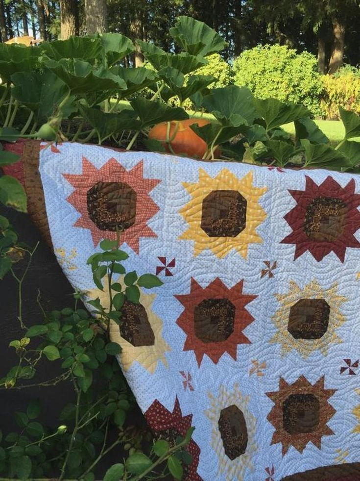 478 Best Images About Sunflower Quilts On Pinterest