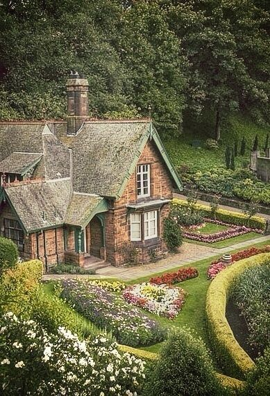 1696 best the romantic cottage images on pinterest for Scottish country cottages