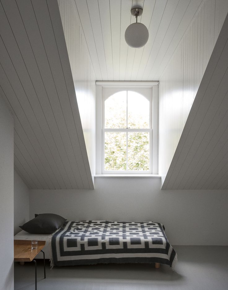 Brooklyn-town-house-remodel-attic-bedroom-Fernlund-and-Logan-Remodelista.jpg 1,650×2,100 pixels