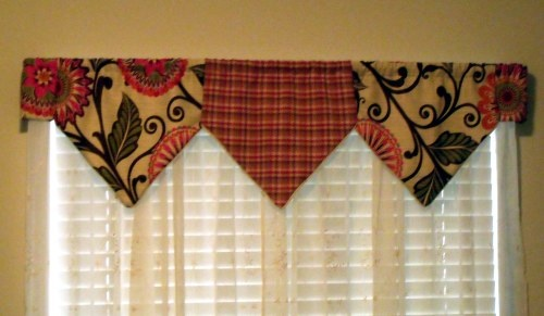 Super cute window valences made out of @HGTV HOME fabric by @Tina Sanders   :)