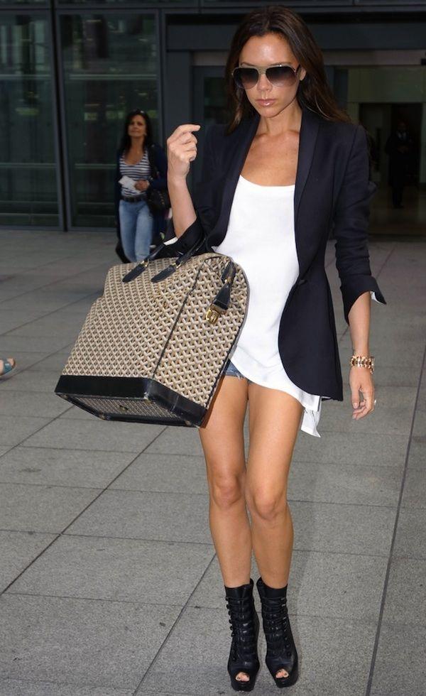 Victoria Beckham: Fashion, Blazer, Chic, Beckham Style, Bag, Victoria Beckham, Outfit, Beauty