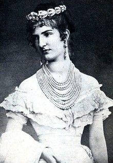 Margaret of Savoy-Genoa, Queen of Italy