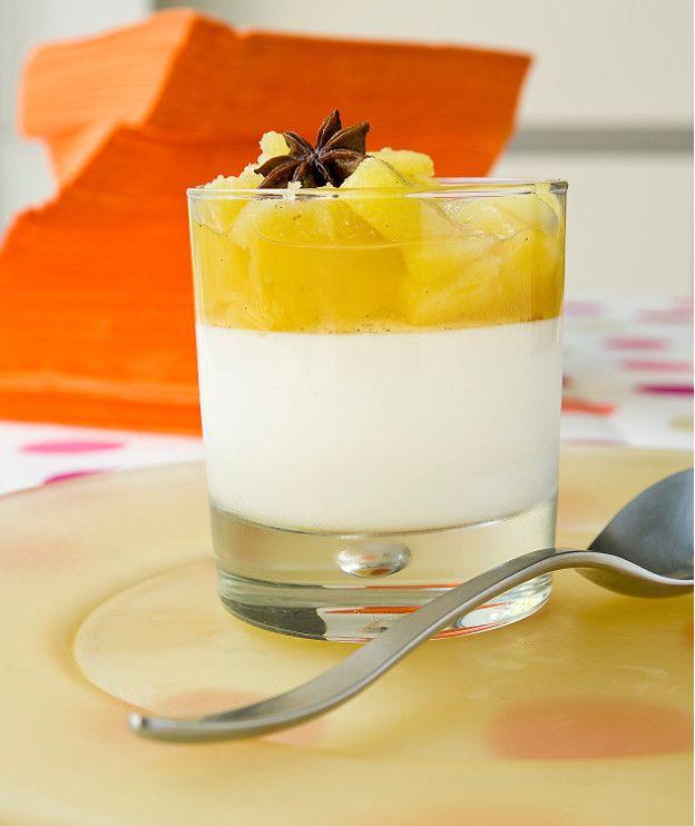Κομπόστα ανανά με κρέμα γιαουρτιού