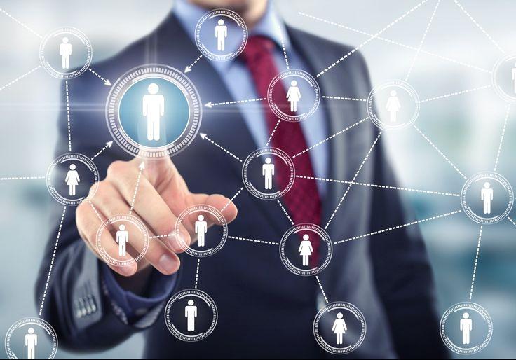 Quelle est la véritable place des réseaux sociaux dans la prospection ? #socialmedia #prospection Comment s'en servir ? Sont-ils vraiment nécessaires ? JeProspecte fait le point !