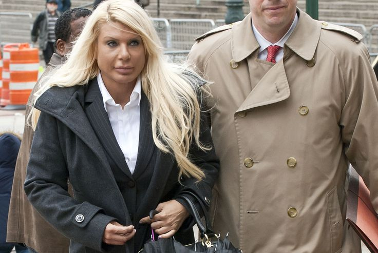 "The latest Rikers Island inmate to claim abuse is notorious ""Manhattan Madam"" Kristin Davis. In a letter to Manhattan federal Judge Edgardo Ramos, seeking leniency at her Oct. 1 sentencing for pres..."