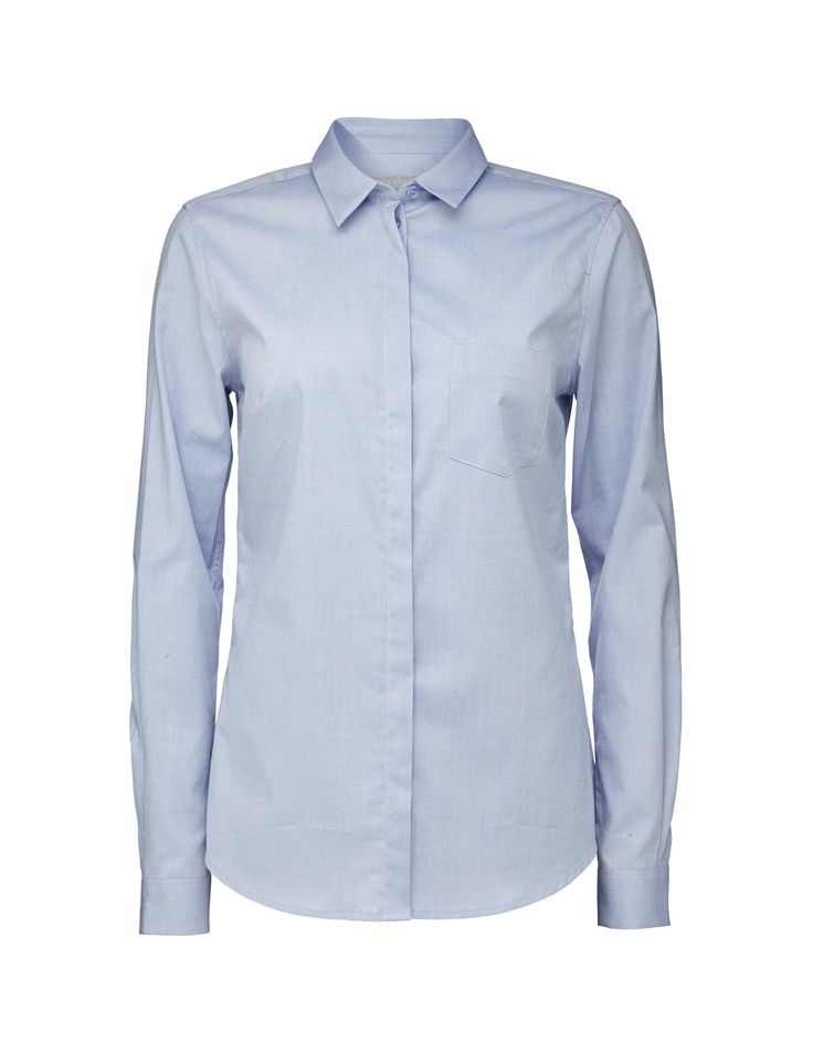 Tiger Woman, Darcell Oxford shirt,Classic women's shirt in a lightweight Oxford cotton with stretch. Details include a small collar, a single breast pocket and clean placket with hidden buttoning. Slightly rounded hemline and slim fit.