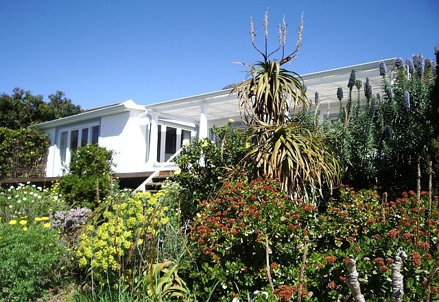 http://www.perfecthideaways.co.za/Details/Whalesong?Itemid= #travel #perfecthideaways #beachhouse