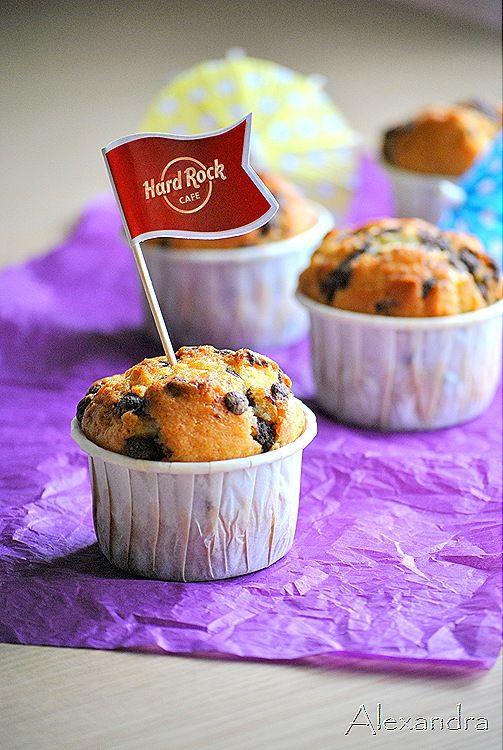 Μα...γυρεύοντας με την Αλεξάνδρα: Muffins βανίλιας με σταγόνες σοκολάτας