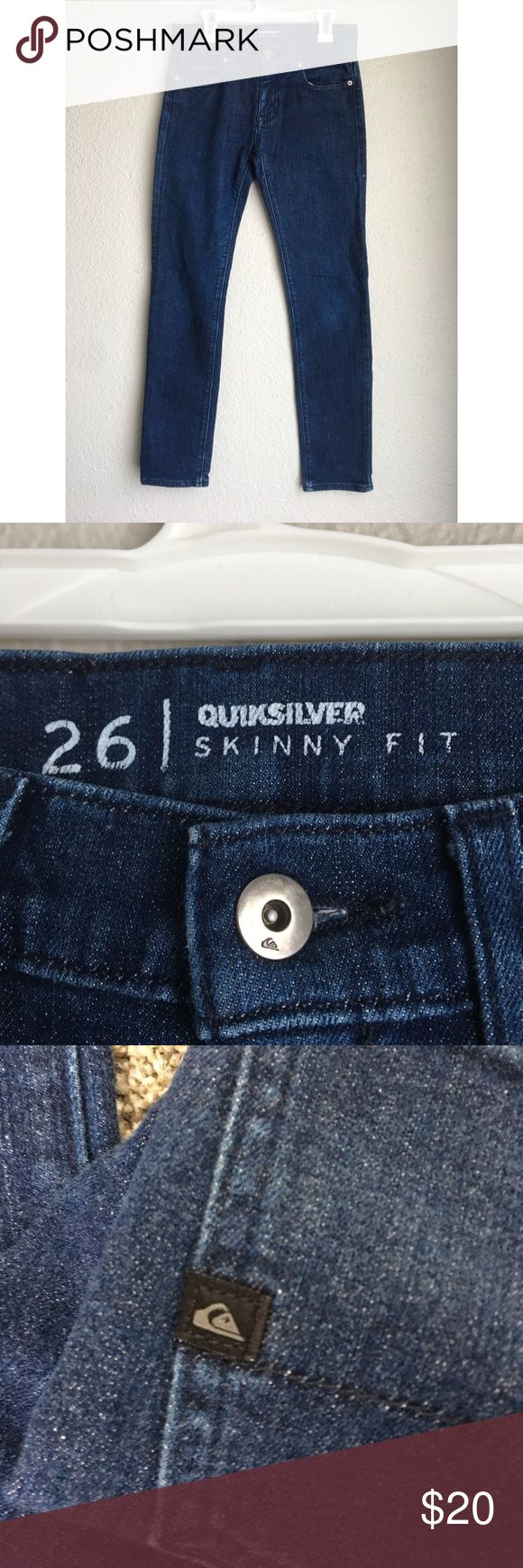 Quiksilver Womens Skinny Dark Wash Mid Rise Jeans Quiksilver Womens Skinny Fit Dark Wash Mid Rise Jeans Size 26 Preowned. Jeans have some discoloration, they have been loved. Willing to let go for a reasonable price.Very skinny. Quiksilver Jeans Skinny