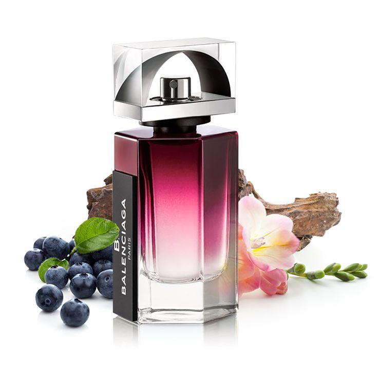Balenciaga B. Balenciaga Intense - un parfum lemnos, feroce și îmbogățit cu note de fructe.