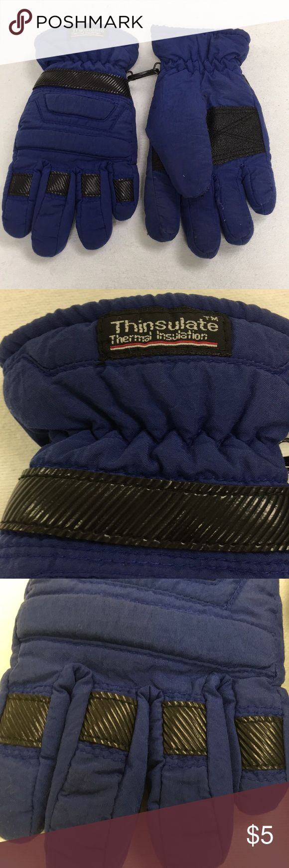 🎁 Free 🎁 Thinsulate Thermal Insulation Gloves 🎁FREE WITH ANY KID PURCHASE 🎁 Blue. Insulated. Show signs of wear. There is a small rip on the backside of the finger of the right glove. Shell nylon, interior polyester. Size 8/9 Small. (11/5) Accessories Mittens