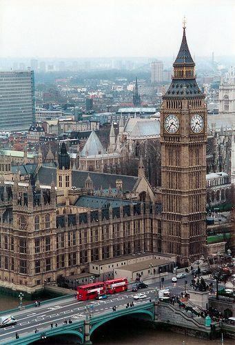 Travel in the United Kingdom and learn fluent English with the Eurolingua Institute http://www.eurolingua.com/english/homestay-uk-2