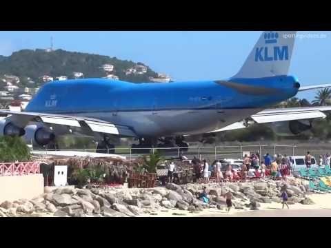 Avionul care sufla turiști de la plajă