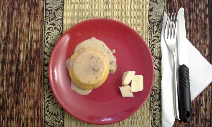 #Tortino di #polenta con cuore di #formaggio fuso e #funghi. Ottima soluzione con semplici #ingredienti: #ricetta nel blog: http://bit.ly/1OZhVzP #Natale #ricette #Cenone