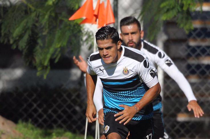 'CHAPO' TRABAJA PARA SER CAMPEÓN CON CHIVAS El torneo pasado fue uno de los mejores en su carrera, sino es que el mejor que ha tenido el lateral derecho. El jugador trabaja con el equipo de Chivas, de cara al torneo Clausura 2017. Le festejan a Almeyda sus 43 años.