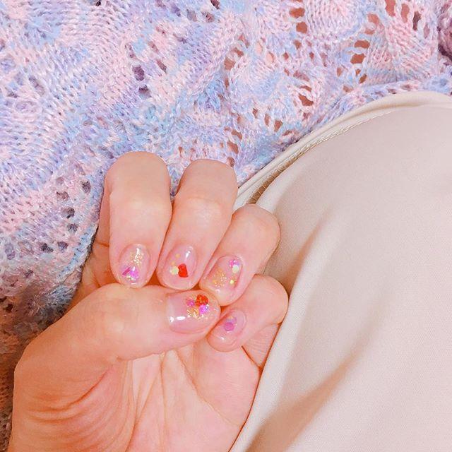 ○ ○ ○ おやすみ仕様💅 ○ 赤いのは花びら🌷 ○ ○ ○ ○ #ファッション #コーデ #ネイル #ジェルネイル #セルフネイル #クリアネイル #押し花ネイル #メイク  #リップ #古着 #古着女子 #おしゃれ  #お洒落さんと繋がりたい #ウィークリージェル  #fashion #code #makeup #nail #gelnails  #flower #japanesegirl #cute #instalike #instagood