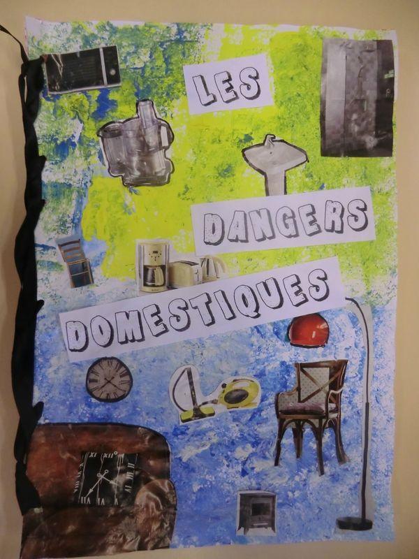 14 best danger domestique images on pinterest firefighters french lessons and preschool. Black Bedroom Furniture Sets. Home Design Ideas