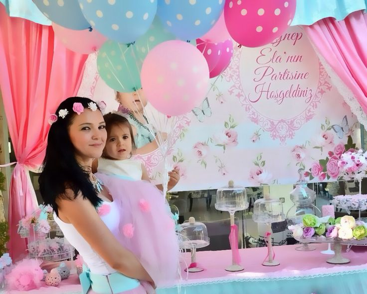 Mother and daughter vintage party