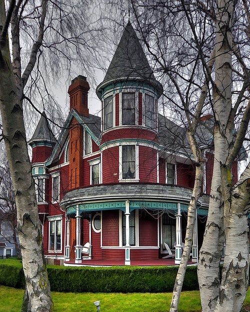 Victorian, Port Townsend, Washington  photo via deborah