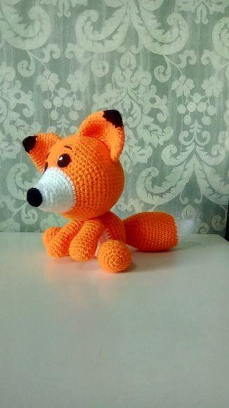 Raposa vermelha em crochê amigurumi
