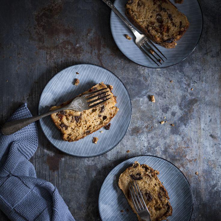 Aardappelcake met tomaten en olijven - een recept voor een cake op basis van aardappel met tomaten op olie en zwarte olijven.