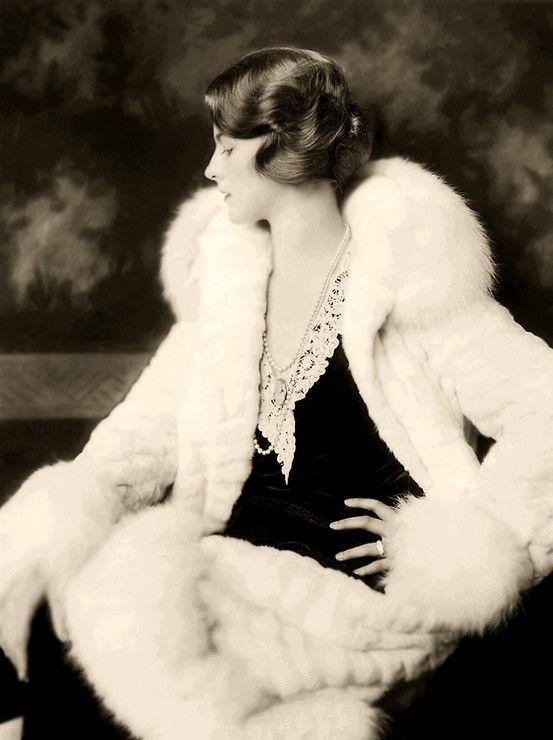 Fur Coat: 1920 S, Beautiful 1930S, 1920S Style, 20S Fashion, 1930S Fashion, Dorothy Knapp, Ziegfeld Girls, Art Deco, Vintage Clothing
