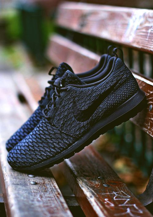 #Nike #Flyknit #Roshe Run NM