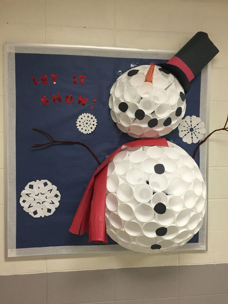 Let it Snow Bulletin Board #LetItSnow #Snowman #BulletinBoards