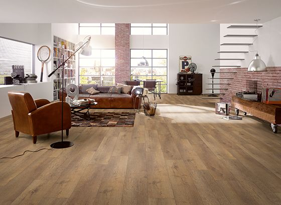 Egger   Egger Large 8mm Knoxville Oak Laminate Flooring   H1009 Style   Authentic Vintage