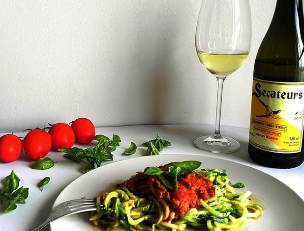 Zucchini Bolognaise paired with Secateurs Chenin Blanc | Monnig Social Media Managment #wineandfoodwednesday