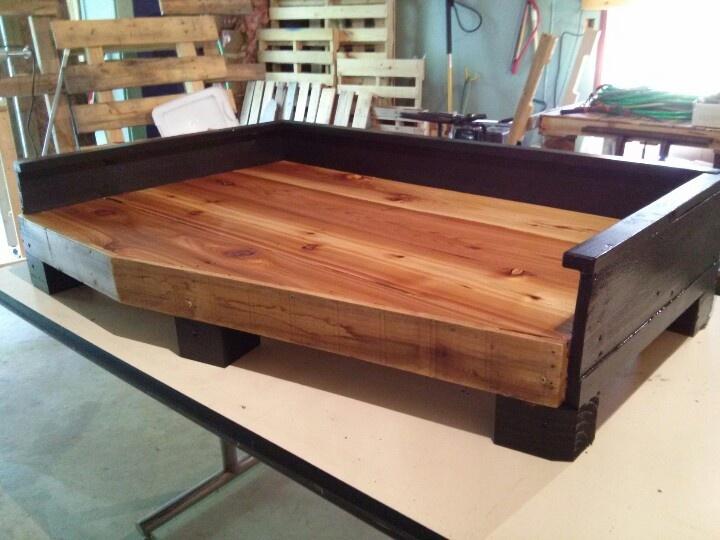 Cedar pallet dog bed. Different furniture idea. Pinterest