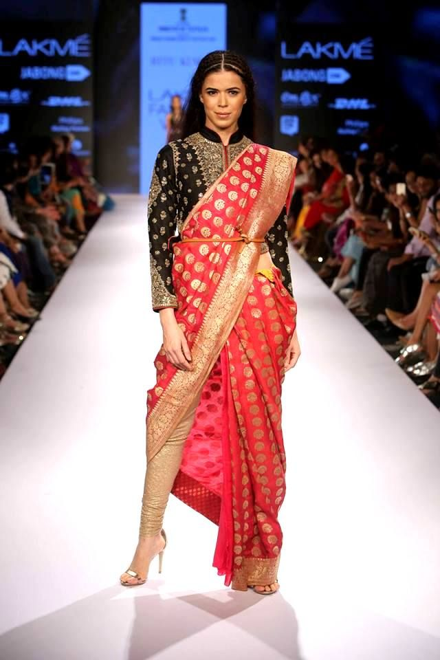 Go back to your roots and celebrate your #engagement in a traditional #banarsi #saree from #RituKumar at #LakmeFashionWeek #AW15