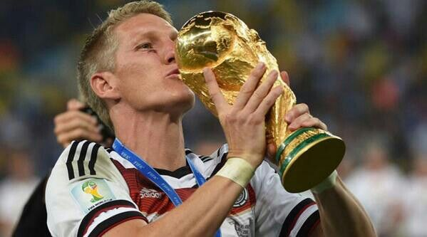 Bastian schweinsteiger :*
