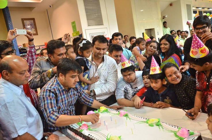 The successful event of Birthday celebration of Our Honourable PM Narendra Modi at G3 Surat Ghoddod Rd Sutaria store with the inspired & unique thaught of spearing smile to the Divyang Children by providing free of cost clothes from our store #BirthdayPMNarendraModi
