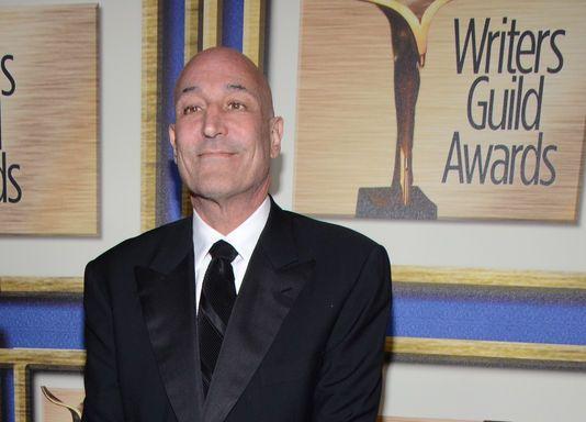 Sam Simon, l'un des créateurs avec Matt Groening et James L. Brooks à la fin des années 1980 de la série télévisée d'animation américaine culte Les Simpson, est mort dimanche 8mars des suites d'un cancer à l'âge de 59 ans dans sa résidence de Los Angeles (Californie, Ouest).  Sam Simon a obtenu sept Emmy Awards pour Les Simpson et deux pour son implication en tant qu'auteur dans The Tracey Ullman Show.