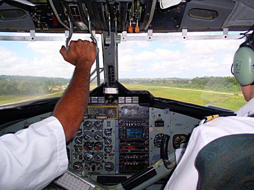 Far Flung Places : Air Vanuatu, up front with the pilot