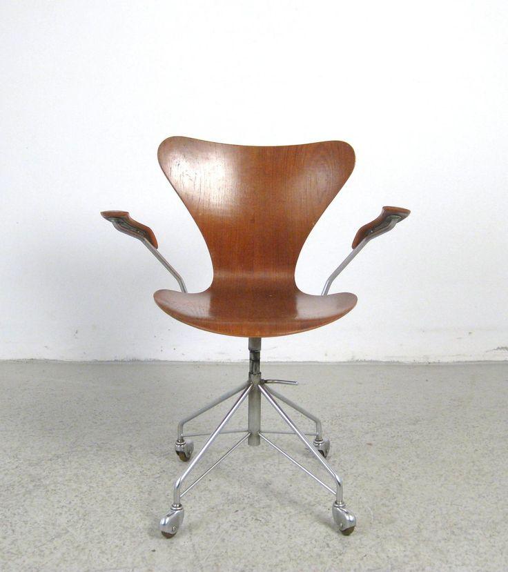 AreaNeo | Arne Jacobsen Kontorstol 3217 for Fritz Hansen 1955 - Lauritz.com | Düsseldorf