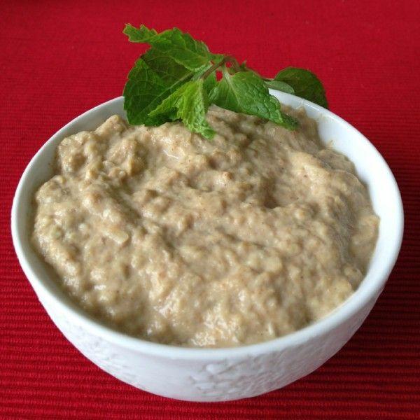 Babaghanoush saudável: berinjela na culinária árabe (1 berinjela grande, 3 colheres de sopa de tahine (1/2 xic de gergelim p/ 2 cs azeite), 1 colher de sopa de suco de limão, 1 colher de chá de alho amassado, sal à gosto.