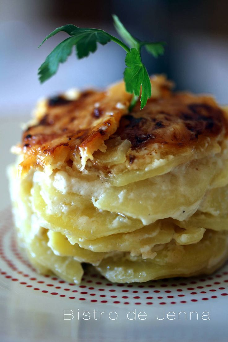 Gratin de pommes de terre, crème d'ail et gorgonzola :-) …