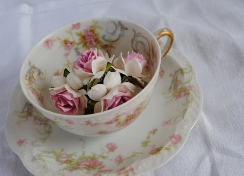 Lovely.: Teas Time, Rosebud, Teas Cups, Teas Pots, Memorial Tables, Rose Bud, Teacup, Teas Parties, China