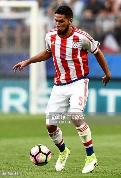 Paraguay's defender Bruno Valdez controls the ball during the friendly football match France versus Paraguay on June 2 2017 at the Roazhon Park...