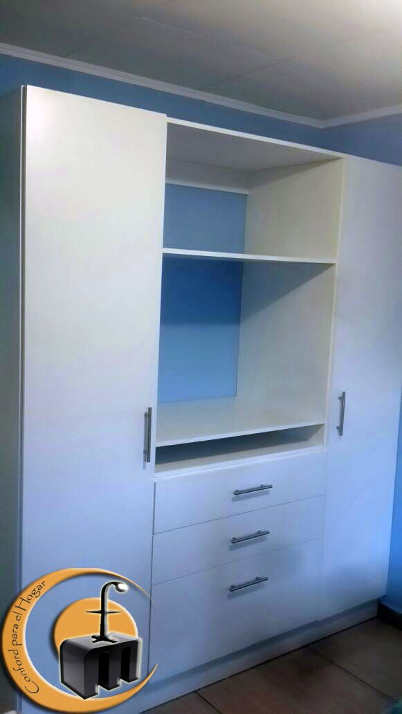 Closet Melamina Color Blanco. Medida: 1,8 mts de largo x 2 ...