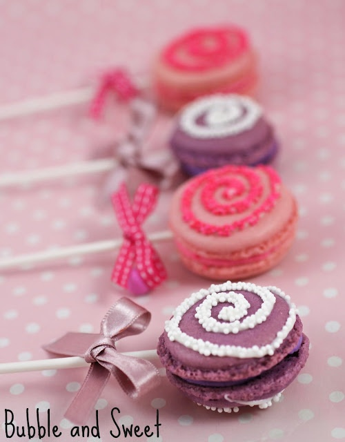 Macarons con palito ¡y espiral de sprinkles! / Macarrons on a stock with a spiral of sprinkles