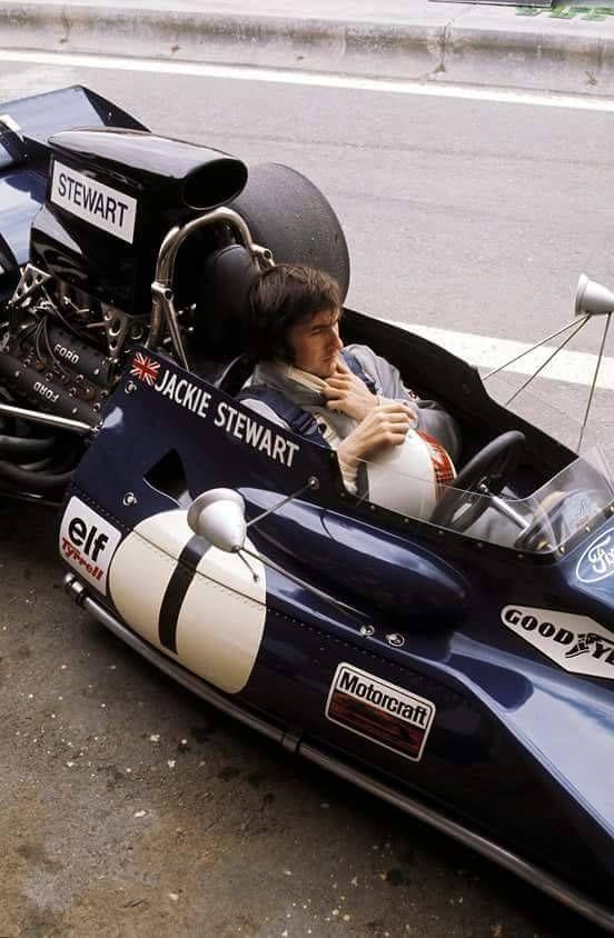 Jackie Stewart – Tyrrell – Quelle F1 Fotos. – BLK+PRT   BlackPriest