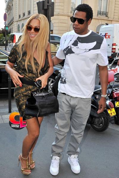 Jay-Z in Air Jordan III http://celebritysneakerstore.com/