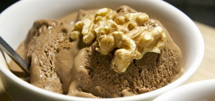 Cómo hacer fácilmente un riquísimo helado de chocolate y coco sin lácteos. Este helado de chocolate sabe igual que los helados regulares. La única diferencia entre este helado y helado regular de chocolate es que ésta es bueno para ti. Ingredientes: – 2 tazas de crema de coco o leche de coco con toda la …
