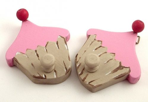 We are pretty sure that little girls will love these pink cupcakes hooks.