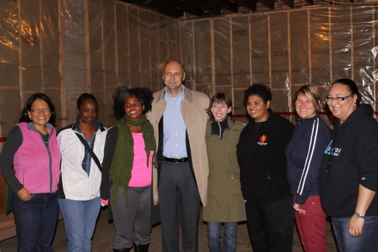 Group picture with MP Matthew Kellway at SKETCH-DeSantos mural unveiling, October 2012