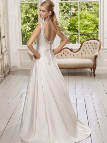 backless wedding dress. simple